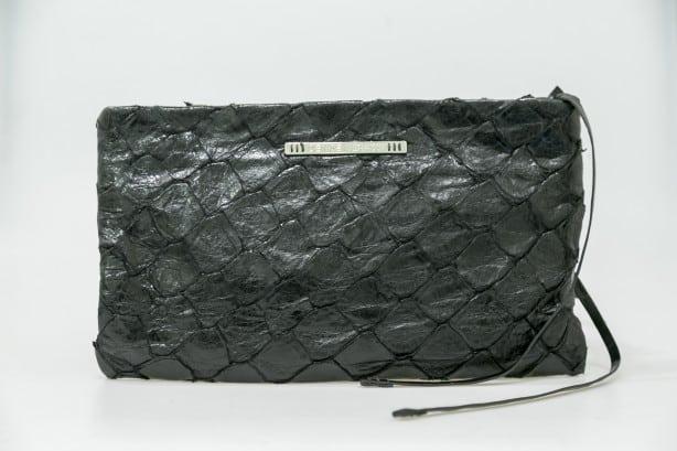Maxi-Clutch-de-Pirarucu-Denise-Gerassi-Pre--o-Sugerido-R-1099.00-614x409