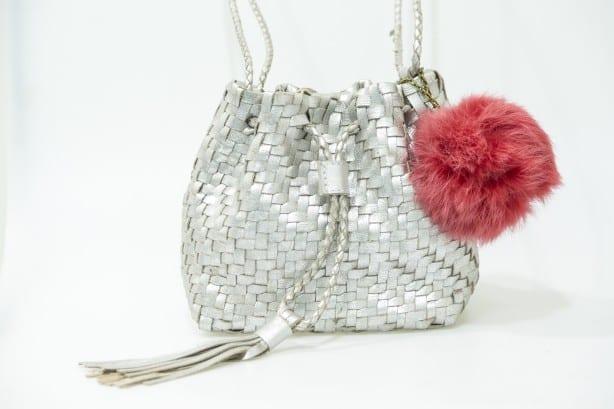 Mini-Bolsa-Saco-It-Bag-Pre--o-Sugerido-R-549.00-Cr--dito-COMODO_Ag.Riguardare-614x409