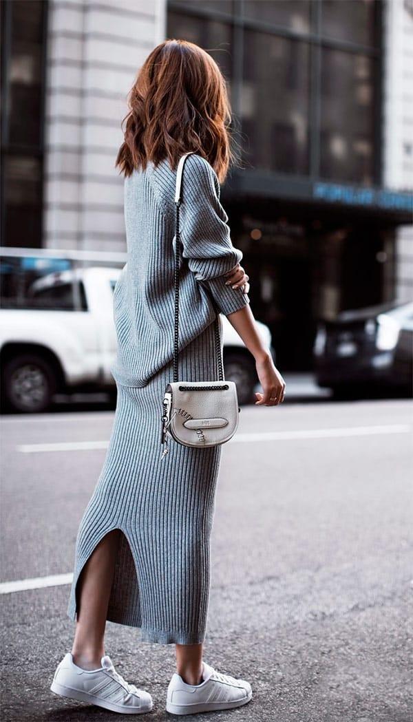 street-style-look-saia-midi-cinza-tricot-tenis